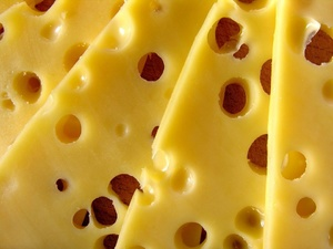Росконтроль назвал фальсификатом сыр 13 известных торговых марок