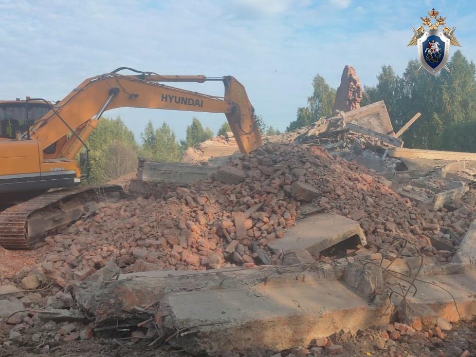 Мужчина погиб, собирая металлолом у демонтируемого завода в Воротынском районе - фото 1