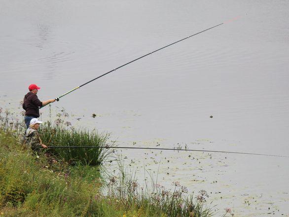 Три вида ухи и лодка в подарок: в Нижнем Новгороде стартовал фестиваль рыбалки - фото 28