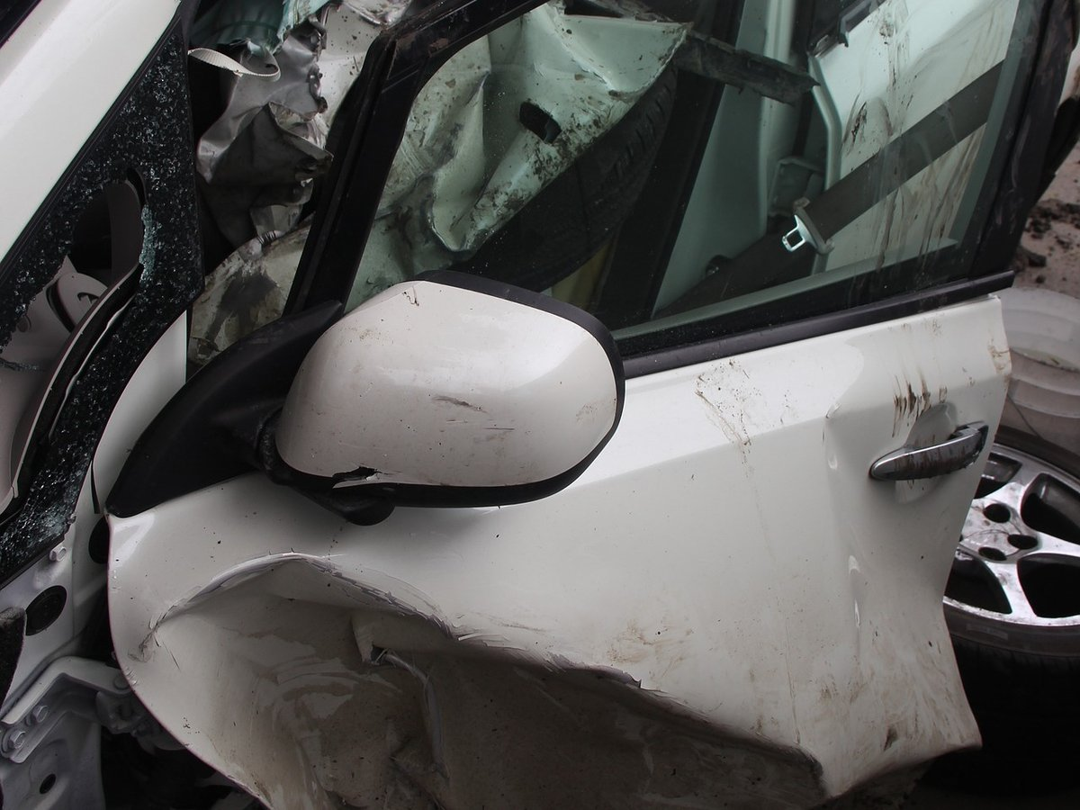 Две иномарки столкнулись в Арзамасе: четыре человека госпитализированы, один в коме - фото 1