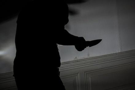 Парня, который нанес таксисту 41 удар ножом, осудят в Нижегородской области