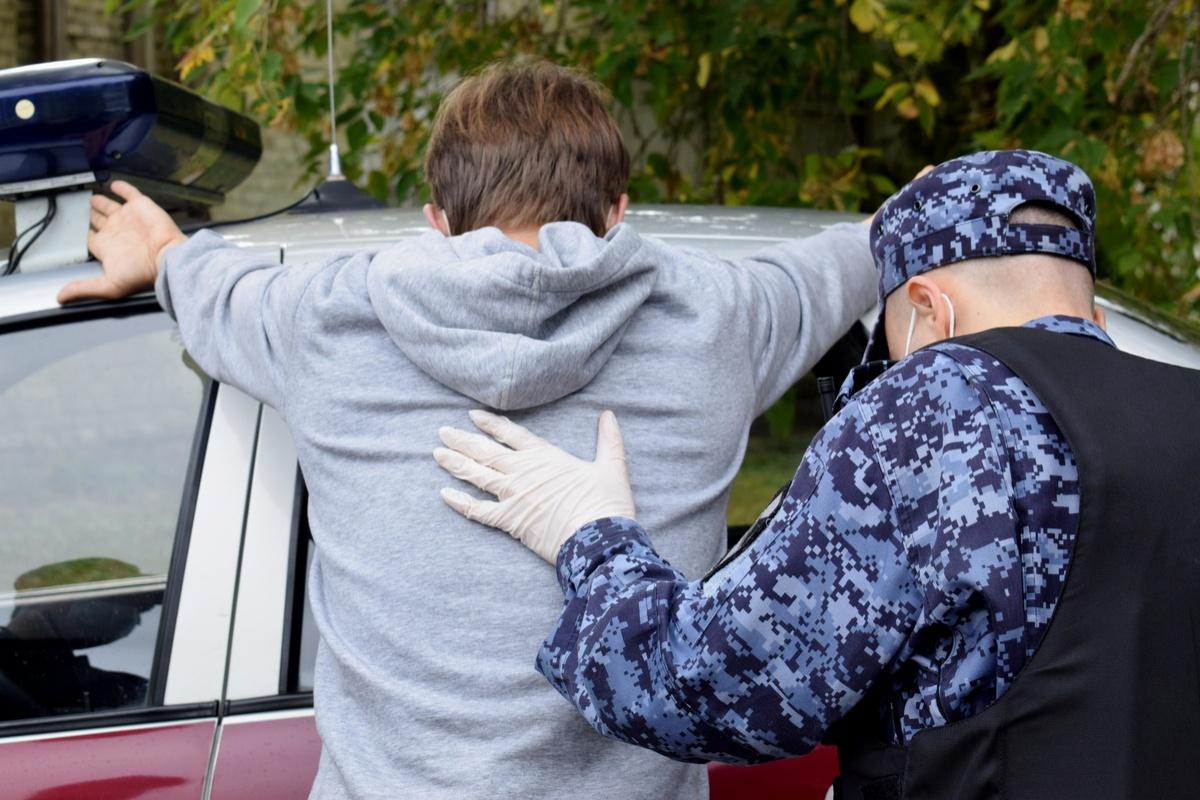 Наркозакладчика задержали росгвардейцы в Автозаводском районе - фото 1