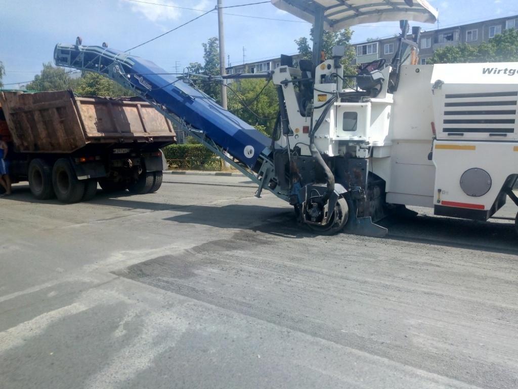 Ремонт дороги на улице Никиты Рыбакова начался после жалоб жителей - фото 1