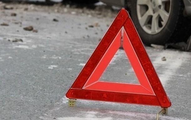 Две иномарки столкнулись на трассе рядом с Бором: три человека пострадали - фото 1
