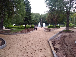 Тротуарную плитку начнут укладывать в сквере на улице Прыгунова в ближайшие дни