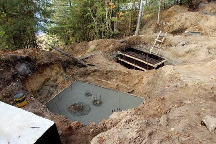 Благоустройство сквера у памятника Горькому и Шаляпину на Бору отстает от графика