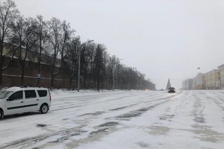 Площадь Минина и Пожарского открыли для транспорта на день раньше