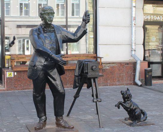 Кошка с книгой и лебединая верность: каких животных и за что увековечили в Нижнем Новгороде - фото 29