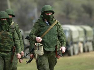 Опасна и трудна: сколько платят за службу по контракту в России