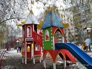 Новые детские площадки появились в Советском районе