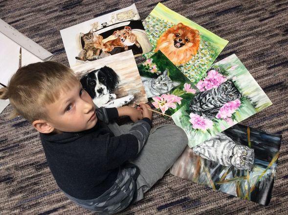Девятилетний арзамасский мальчик меняет рисунки на корм для бездомных животных - фото 4