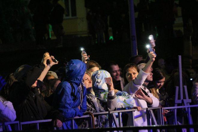 «Театр парусов» и 40-минутный фейерверк: яркое завершение Дня города в Нижнем Новгороде - фото 10