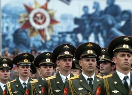 Какие зарплаты у офицерского состава армии России