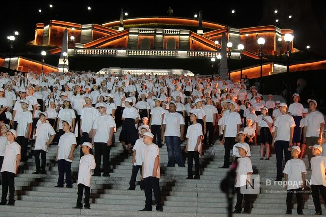 Хор из 800 голосов спел на Чкаловской лестнице - фото 8