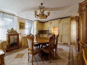 Двухэтажная квартира за 23 млн рублей продается в Нижнем Новгороде