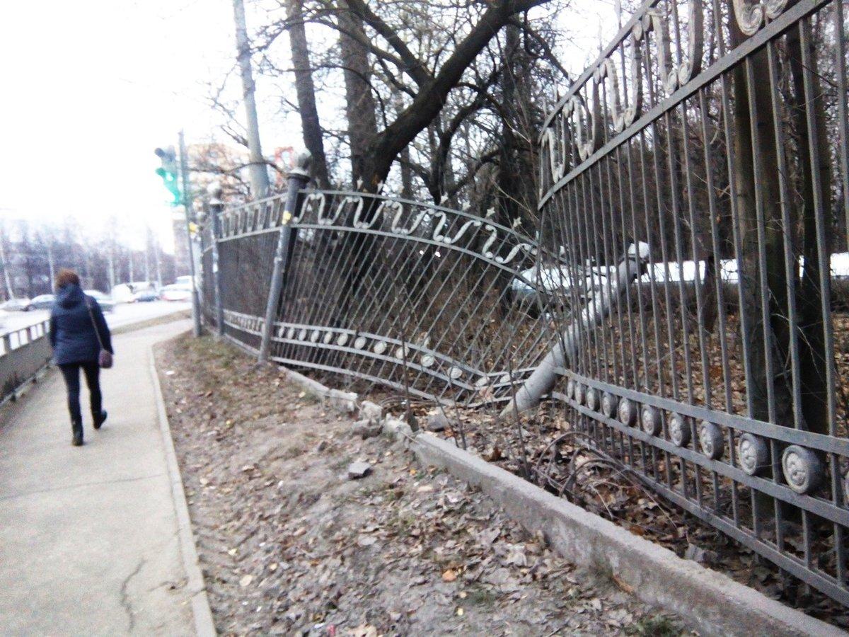 Губернатор ответил нижегородцам, просившим разобраться с покосившимся забором парка «Дубки» - фото 1