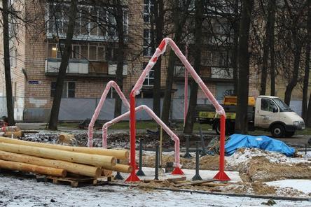 Нижегородцы обеспокоены небезопасностью детской площадки в сквере Свердлова