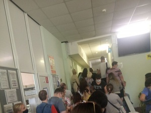 Огромные очереди за справками в детсады выстроились в нижегородских поликлиниках