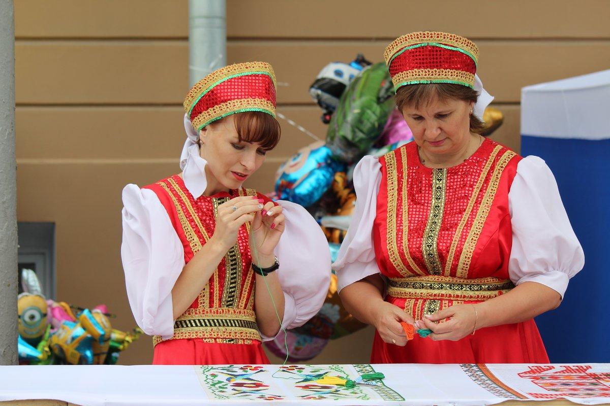 Нижегородцы вышили 25-метровый «Рушник дружбы» в День России - фото 1