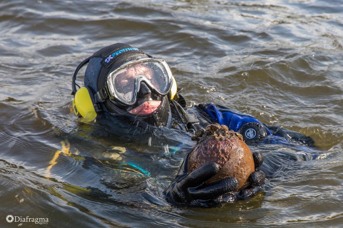 Ядро Ивана Грозного нашли на дне реки в Нижегородской области - фото 1