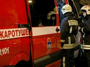 Три десятка человек эвакуировали при пожаре в доме на улице Бринского
