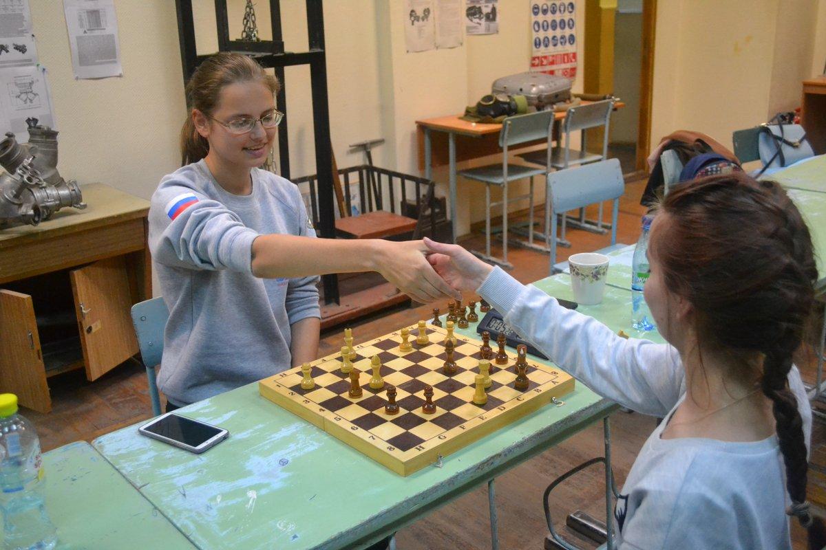 В ННГАСУ прошёл шахматный турнир среди юношей и девушек - фото 1