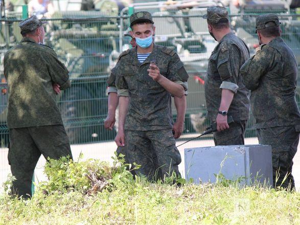 Танкисты в масках: первая репетиция парада Победы прошла в Нижнем Новгороде - фото 28