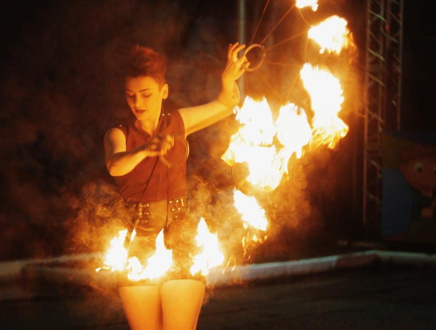 Будет «Жарко»: московские «фаерщики» устроят фестиваль огня в Нижнем Новгороде - фото 1